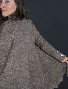 Moonlight Dancer by Elise Dupont. A beautifully detailed and flattering cardigan just perfect for our elann.com Highland Majesty Sport!