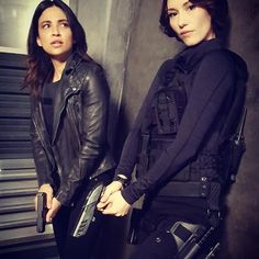 Find yourself a girl who has your back // #Sanvers // #Supergirl // #ChylerLeigh & #FlorianaLima