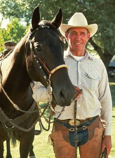 Ray Hunt - Hands down one of the best horsemen that ever lived. Any horse training tips you learn from him will be 100% accurate.