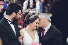 Emoção a flor da pele. Esse casamento de Kleber & Débora foi cheio de todos os sentimentos. --- Emotions! Kleber & Débora's wedding was full of feelings!