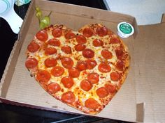 heart-pizza.jpg 1,024×768 pixels