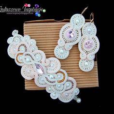 Ecru & pink wedding set (link to the shop in bio) . . . . #soutache #soutacheearrings #sutasz #jewelerydesign #jewelerydesigner #handmade #weddingseason #bridesmaid #bridetobe #bridesmaids #slub #wesele #pannamloda #fashionjewelry #bridaljewelery #bridalaccesories #customjewelry #zircons #swarovskicrystals #crystaljewelry #boldjewelry #customgift #pinkjewelry #weddingaccesories #custom #desifashion #weddingjewelery #bridalaccesories #bridaljewelery #desibride #indianbride