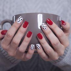 24 glitter gel nail designs for short nails for spring 2019 Glitter Gel Nails, Red Nails, Love Nails, Pretty Nails, Red And White Nails, Acrylic Nails, Dot Nail Art, Polka Dot Nails, Polka Dots