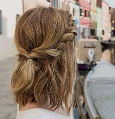 Βρήκαμε 5 χτενίσματα για εσένα που έχεις κοντά μαλλιά                                                                                                                                                                                 More