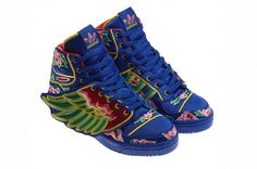 Eason Chan x adidas Originals Jeremy Scott JS Wings, comes the first unveiled look. Inspired by the Chinese New Year, featuring bright colors,. Jeremy Scott Wings, Jeremy Scott Adidas, Sneakers Fashion Outfits, Fashion Shoes, Sporty Fashion, Mod Fashion, Sporty Chic, Sporty Outfits, Fashion Women