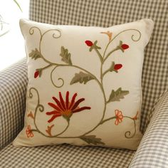 Tarohome Pillow Cushion Case Hot Sale Cushion Hand embroidery Flower Pattern Cushion Pillow For Home Decor. Cushion Embroidery, Embroidery Hoop Crafts, Floral Embroidery Patterns, Embroidery Flowers Pattern, Jacobean Embroidery, Embroidered Cushions, Machine Embroidery Applique, Learn Embroidery, Hand Embroidery Designs