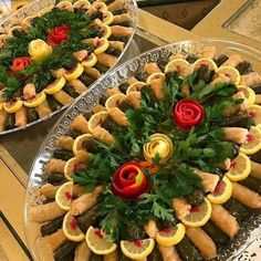 Party Food Buffet, Party Food Platters, Lebanese Recipes, Turkish Recipes, Good Food, Yummy Food, Food Garnishes, Iranian Food, Food Decoration