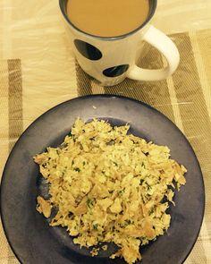 Claras de huevo con pollo cocido, espinaca y cafecito