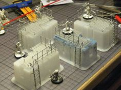 Sometimes terrain is easier than you think. We've found some interesting ideas about terrain made of cans and other trash. Warhammer 40k Tabletop, Warhammer Terrain, 40k Terrain, Game Terrain, Wargaming Terrain, Model Training, Making A Model, Train Table, 3d Prints