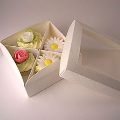Mini Cupcake Box for 4 miniature cupcakes - ivory http://www.littlecupcakeboxes.co.uk/cupcakeboxes/multiple-cupcake-boxes.html #cupcake-boxes