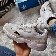 Image about girl in Top sneakers👟 by Alinka on We Heart It - FootWear Sneakers Mode, Cute Sneakers, Sneakers Fashion, Fashion Shoes, Shoes Sneakers, Fancy Shoes, Trendy Shoes, Dad Shoes, Me Too Shoes