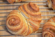 Franzbrötchen, tasty as the baker with Pour le Plaisir Gourmet Recipes, Bread Recipes, Sweet Recipes, Cooking Recipes, Healthy Recipes, Halloumi, Mets, Calories, Food Diary