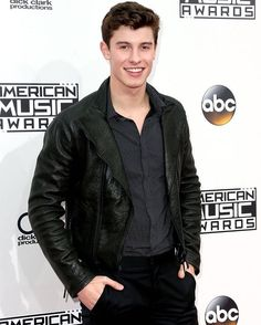 @amas Look who's here! @shawnmendes performs TONIGHT, & after the show an exclusive encore performance on @xfinity On Demand!  #ShawnOnAMAs