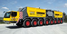 New 750-tonne lattice-tower mobile crane Liebherr has extended its range of heavy lifting cranes with the LG 1750 lattice-tower mobile crane. It combines the flexibility of a 750-tonne crawler crane with the mobility of a fast-moving truck crane from the same load category.
