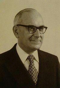 Marcello Caetano , Presidente do Conselho de Ministros de Portugal entre 1968- 1974.