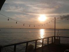 Pôr-do-Sol no píer do Solar Café (Solar do Unhão), no MAM. 15 de setembro de 2012.