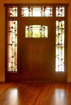 Now that's a door. Craftsman Door Company - Art Glass by Theodore Ellison Designs Craftsman Interior, Craftsman Kitchen, Craftsman Style Homes, Craftsman Bungalows, Craftsman Houses, Craftsman Furniture, Stained Glass Door, Stained Glass Designs, Stained Glass Projects