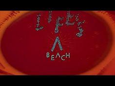 Django Django - Life's a Beach. Psicodelia em imagens hipnóticas granularizadas, viagem. (07/12)