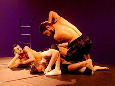 """O assassinato de um homossexual é o fio condutor de toda a narrativa do espetáculo """"Mairto"""", novo trabalho do Caleidos Cia de Dança."""