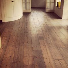 Flash back to one on my fav floors pine with a grey oil finish. #carpenter #pine #woca #oil #grey #floors #instadaily #traditional #bespoke #kitchen #design #interiordesign #interior #floorfitter #hummel #lagler #work