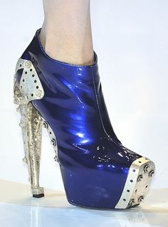 Alexander McQueen -Metropolis looking shoes