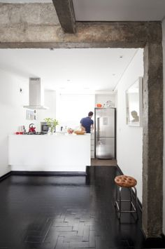 Kitchen by Filipe Ramos Design  Apartment situated at Itaim Bibi neighbourhood in São Paulo, Brazil.