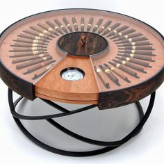 What a cool custom table idea for the man cave, a cigar table humidor!, What a cool custom table idea for the man cave, a cigar table humidor! Cigar Lounge Decor, Cigar Lounge Man Cave, Cigar Lounge Ideas, Cigar Shops, Cigar Bar, Diy Cigar Humidor, Cigar Ashtray Diy, Good Cigars, Cigars And Whiskey