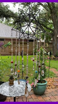 Diy Garden Projects, Garden Crafts, Diy Crafts, Crystal Garden, Glass Garden, Diy Wind Chimes, Hanging Crystals, Upcycled Home Decor, Recycled Art