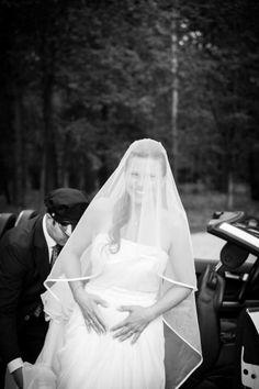 Wedding Black, Photo Black, Portrait Photo, Bridal Portraits, One Shoulder Wedding Dress, Groom, Wedding Photography, Bride, Black And White