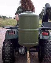 RANCHO ATV Gravity Drop Deer and Game Feeder. Simple inexpensive feeder drops a narrow ribbon of deer corn, using a truck, ATV, tractor or even a pull behind a wagon. These gravity feeders feature a rope operated spring trap Hunting Vest, Hunting Clothes, Deer Hunting, Deer Feeder Diy, Flow Game, Deer Corn, Gravity Feeder, Food Plot, Solar Water