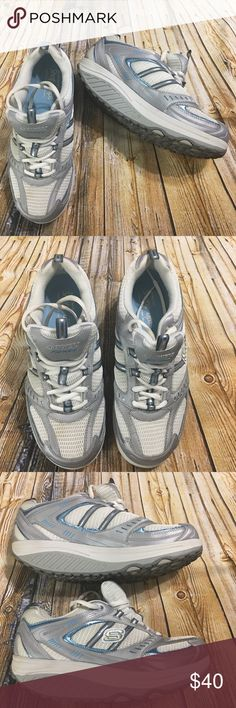 4365f8074107 Skechers Fitness Shape Up Silver Blue Shoes Size 9 This is a pair of  Women s Skechers