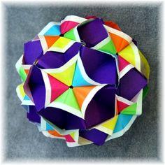 sonobe variation (Marvelous Modular Origami by MEENAKSHI MUKERJI) (sub black instead of deep purple for color scatter-like effect)