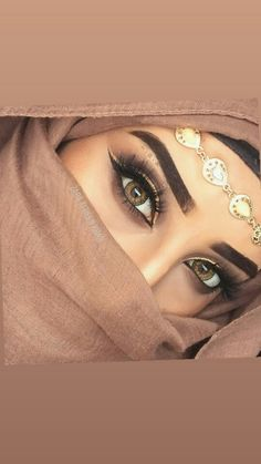 Zara Afreen Khan ❤ Lovely Eyes, Cool Eyes, Amazing Eyes, Arabic Eyes, Cool Dpz, Girlz Dpz, Girly Pictures, Septum Ring, Eye Makeup