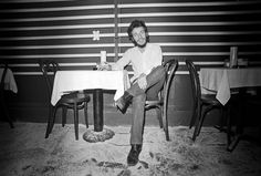 """Lynn Goldsmith Photographs Bruce Springsteen for the First Time   """"I met Bruce…  Link->  http://tmblr.co/ZnqqfxREXWTo"""