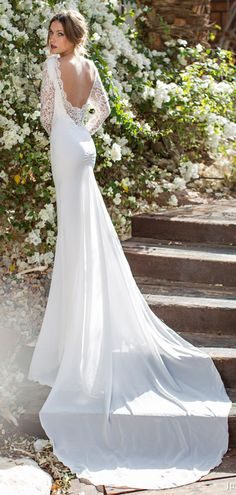 Backless wedding dresses ideas http://weddingdecorationshq.com/backless-wedding-dresses/