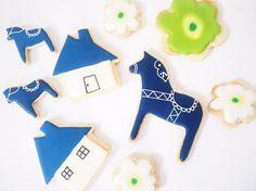 北欧デザインのアイシングクッキー。可愛らしいクッキーは、お土産にもぴったりです。1袋300円<fikafabriken>