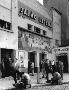 by Eduardo Gageiro, Cinema Salão Lisboa, 1968 (foto do arquivo fotográfico da…