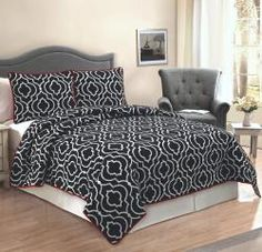 Ogee Black & White Quilt Set - stylish and modern with an attractive price! #modern #bedding #blackandwhite