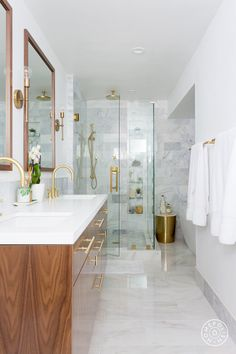 Bright whites + wooden accents = contemporary heaven. We love it! Modern Contemporary Bathrooms, Modern Master Bathroom, Modern Bathroom Design, Bathroom Interior Design, Home Interior, Small Bathroom, Bathroom Ideas, Minimal Bathroom, White Bathroom