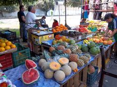 The market.  The colors.