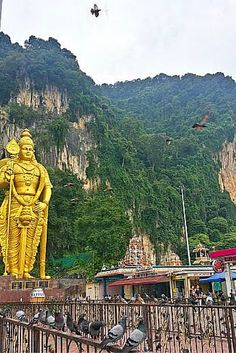 BATU CAVES, Kuala Lumpur, Malaysia - What are the things you can do and see for free in Malaysia? Click the link! Batu Caves, One Day Trip, Go Around, Free In, Kuala Lumpur, Statue Of Liberty, Places Ive Been, Trips, Wanderlust