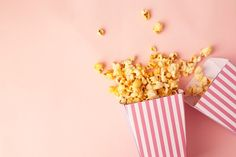 Pop corn in pink boxes