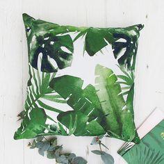 Palm leaf cushion with green leaves Tropical print throw pillows. Green cushions, tropical interior decor, green decor accents, green pillows, palm leaf pillows