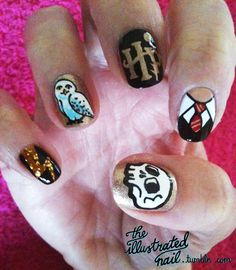The Illustrated Nail Harry Potter set.wow, just freaking wow Harry Potter Nail Art, Harry Potter Disney, Harry Potter Theme, Hot Nails, Hair And Nails, Nice Nails, Best Acrylic Nails, Nail Art Galleries, Halloween Nails
