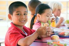 The New and Improved School Lunch - Healthy Eating for Families Lunch Healthy, Healthy Lunches For Kids, Eating Healthy, Healthy Food, Health Eating, Healthy Drinks, Healthy Weight, Healthy Meals, Easy Meals