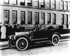 The first Chevrolet automobile produced in Detroit, Chevrolet Suburban, Chevrolet Bel Air, Chevrolet Chevelle, General Motors, Dodge Challenger, Us Cars, Race Cars, Buick, Vintage Cars