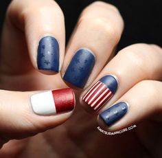 Get inspirations from these cool stylish nail designs for short nails. Find out which nail art designs work on short nails! Nail Art Designs, Short Nail Designs, Nails Design, Blue Nail Polish, Blue Nails, Matte Nails, Hockey Nails, Design Ongles Courts, Usa Nails