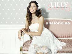 Versailles, One Shoulder Wedding Dress, Wedding Dresses, Caen, Tops, Fashion, Dress Ideas, Bride Dresses, Moda
