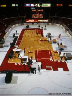Chicago Stadium staffers transform the #Bulls' hardwood court into @Chicago Blackhawks ice back in 1994. #tbt