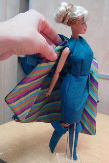 EXPOSICION DE VESTIDOS DE PAPEL Barbie, Paper Dresses, Zaragoza, Exhibitions, Paper Envelopes, Patterns, Sewing, Barbie Dolls, Barbie Doll